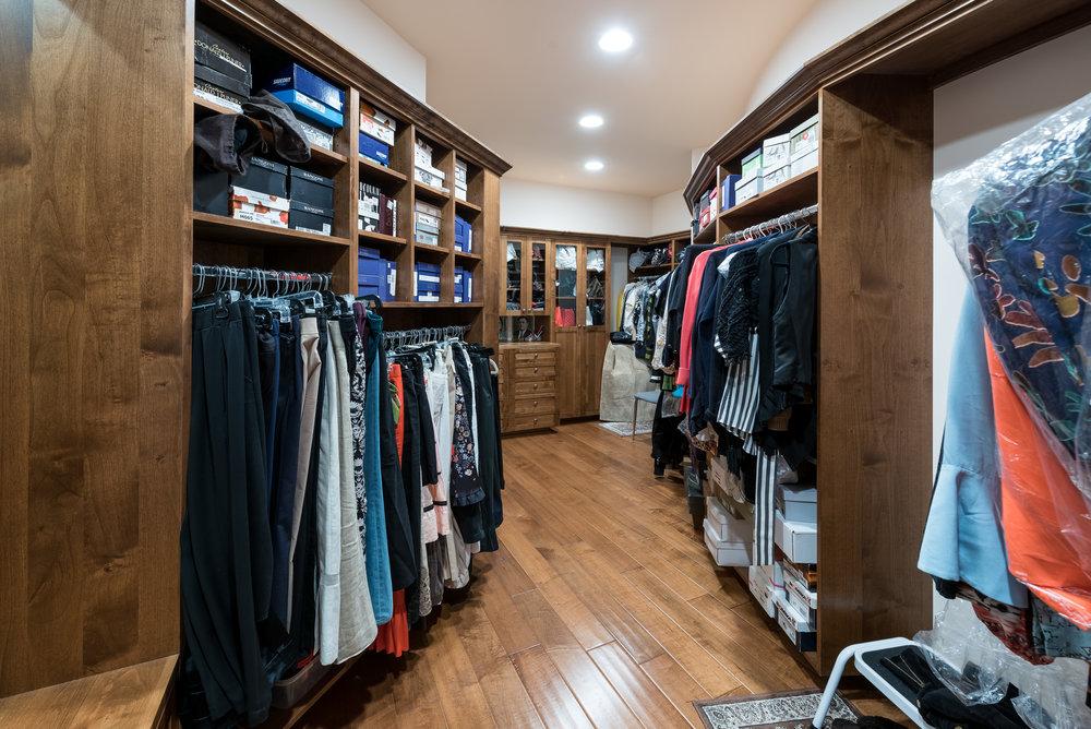 53 Her Closet.jpg