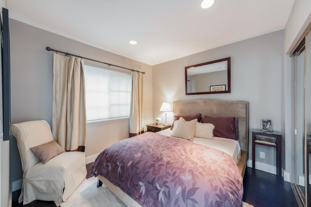 29 Bedroom 3.jpg