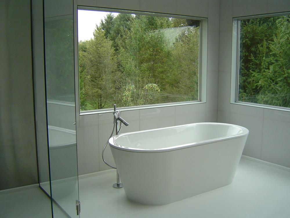 Serene Bath Retreat