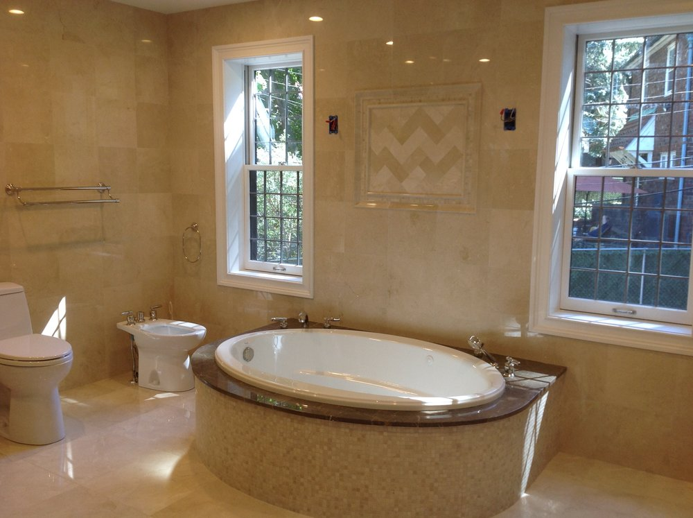 22-2 Master bath.jpg