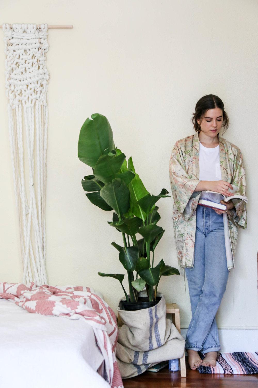 Kimono, Vintage ; Jeans, Vintage Levi's ; T-Shirt,Everlane