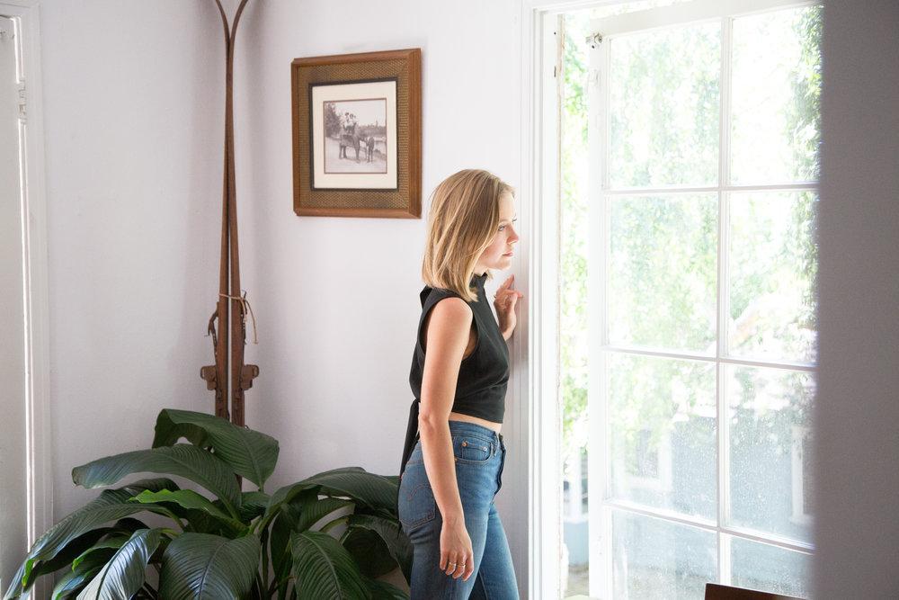 Top, Jenni Kayne ; Jeans, Levi's