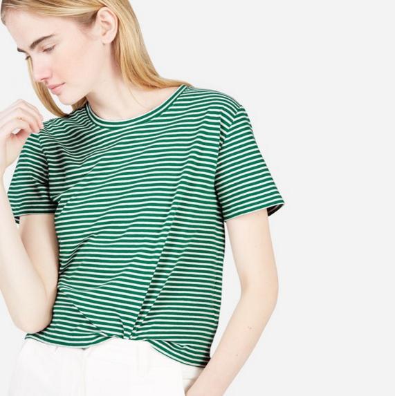 everlane the cotton box-cut tee green/bone stripe