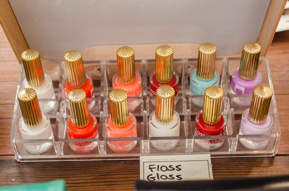 Awoke Vintage Passerbuys Floss Gloss