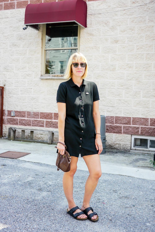 Dress, Lacoste  ; Bag, Vintage ;  Shoes, Birkenstock  ;  Sunglasses, Ray-Bans
