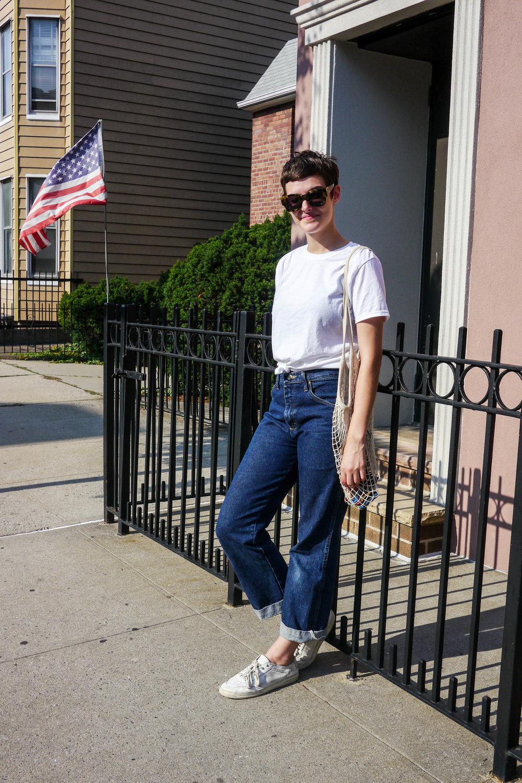 Top, Hanes ; Jeans, Vintage ; Bag, Pearl River Market ; Shoes, Spiga ; Sunglasses, Karen Walker