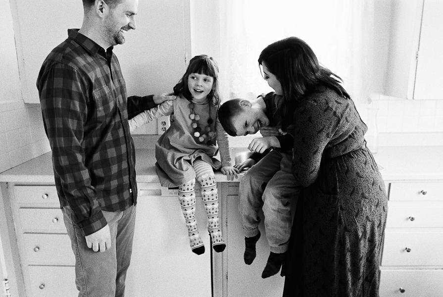 photonativefamilyshootonfilm-36.jpg