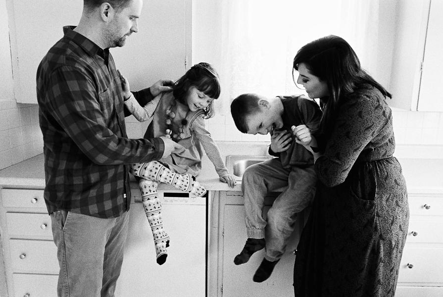 photonativefamilyshootonfilm-38.jpg