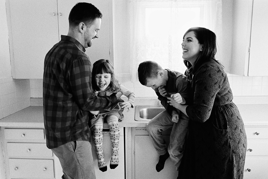 photonativefamilyshootonfilm-40.jpg