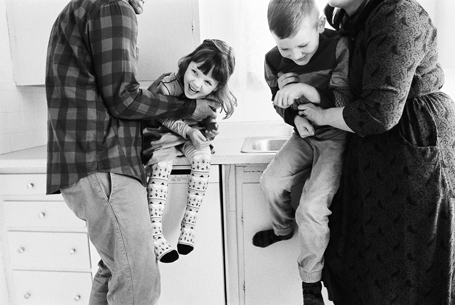 photonativefamilyshootonfilm-42.jpg