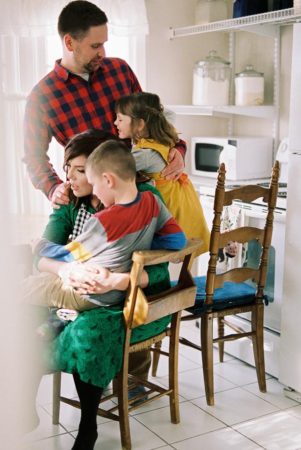 photonativefamilyshootonfilm-47.jpg