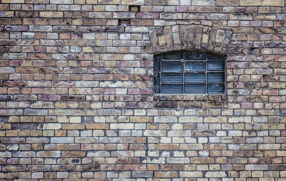 window-484596_1920.jpg
