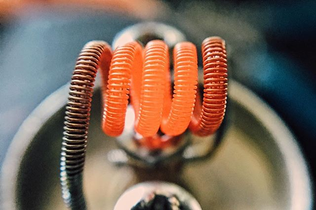 A little late afternoon #coilporn! Dual core #Clapton single coil on a #tugboat!  #vape #vapedog #vaporizer #vapelife #vapelyfe #vapenews #vapeblog #vaping #vapingcommunity #vapereview #vapingreviews #juicereviews #modreviews #news #blog #ejuice #mechanical #mechmod #vapefam #improof #vapepics