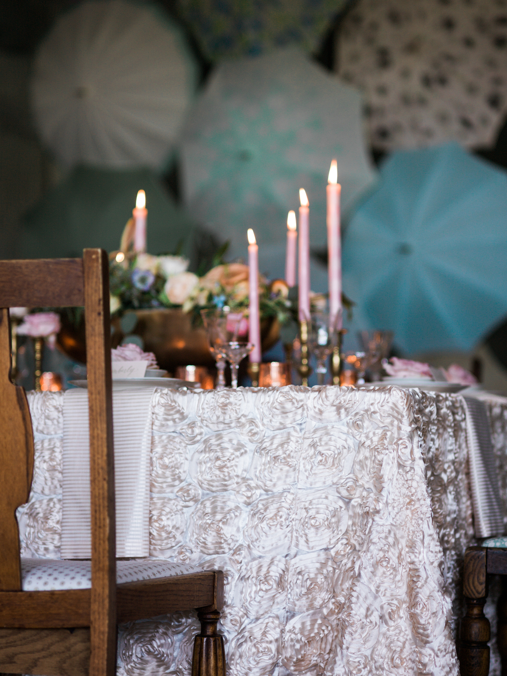 Bella Umbrella Vintage Rentals | Alante Photography | Seattle Wedding Planning
