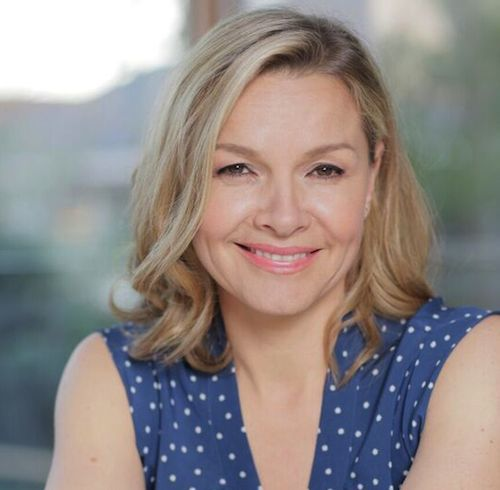 JUSTINE CLARKE  has accepted the Pen to Paper Challenge. She's writing a short story about an Australian animal and two new songs.