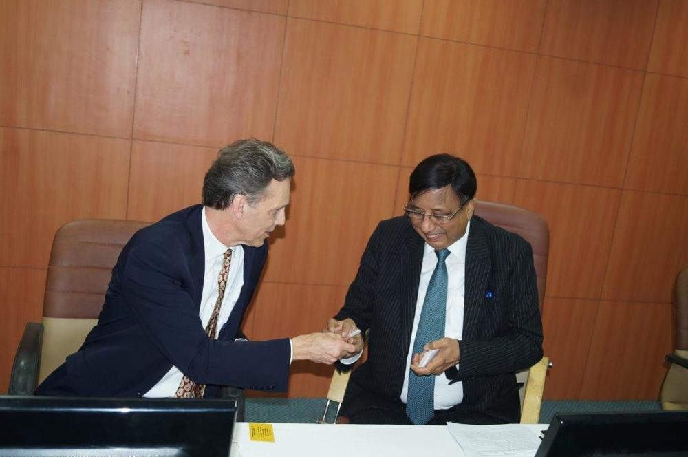 David Wiebres, M.D., at Amity University Delhi campus with Amity Chancellor Dr. Ashok Chauhan on November 9, 2015.