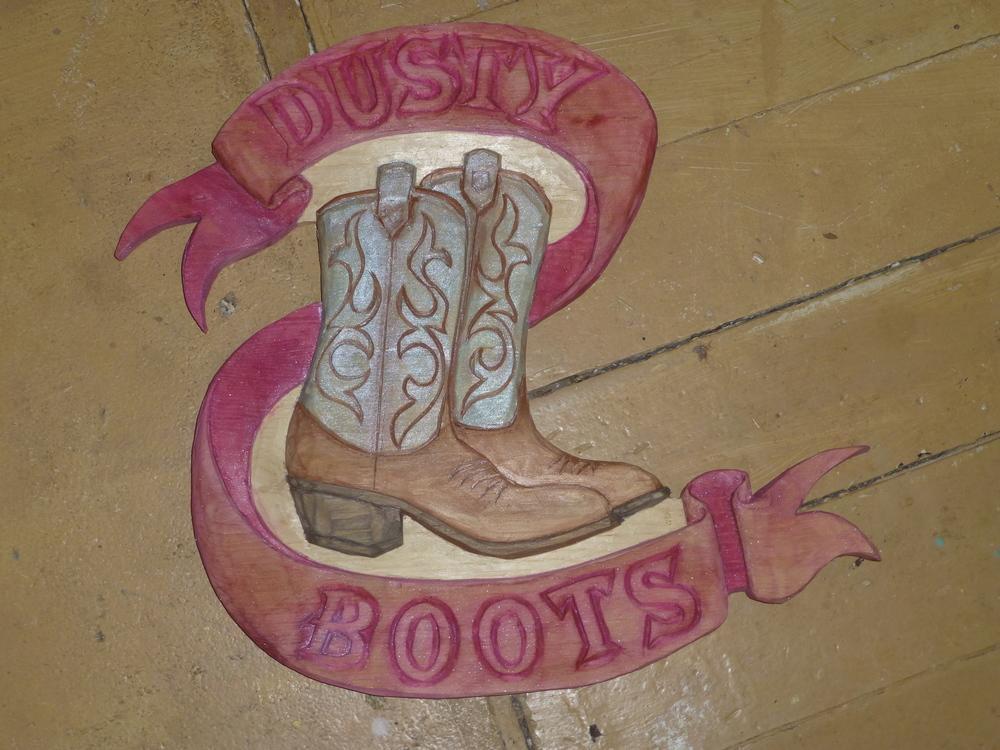 DUSTY BOOTS 002.JPG