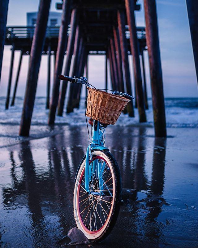 sorry for all the glorious shots of my bike, she's just photogenic #cruiserbike #ocean #sunrise #vintagebike #firmstrong #oceancity #oceancitynj #pier #beachbiker
