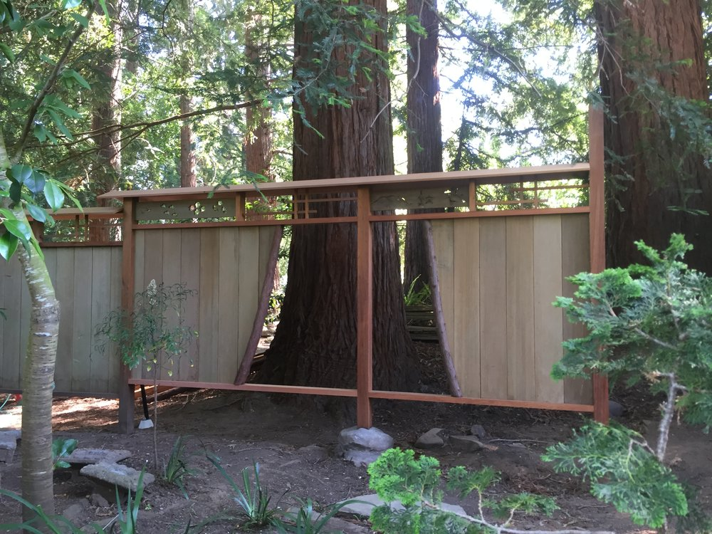 Japanese Garden Fence Design after the cedar screen hides the retaining Img_2010jpg