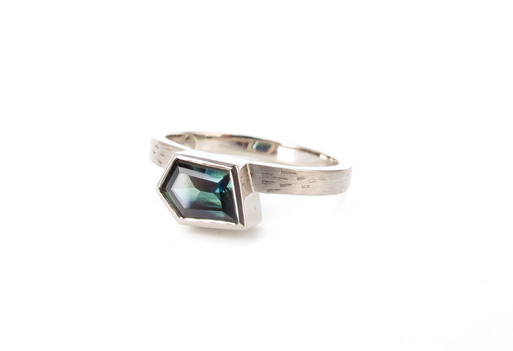 teal parti sapphire freeform engagement ring.jpg