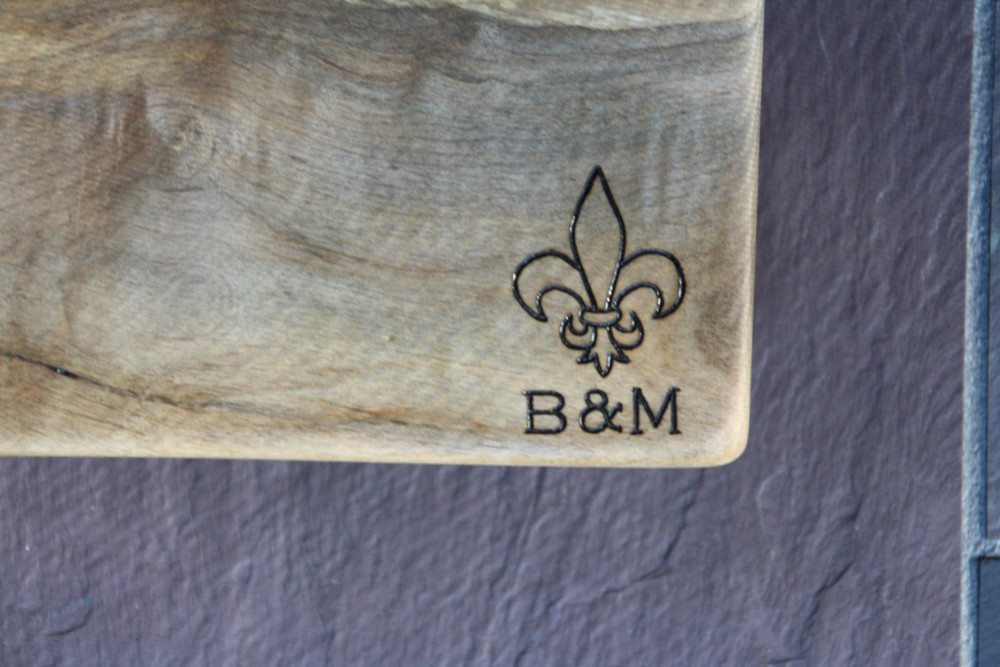 Fleur-de-lis design on Maple