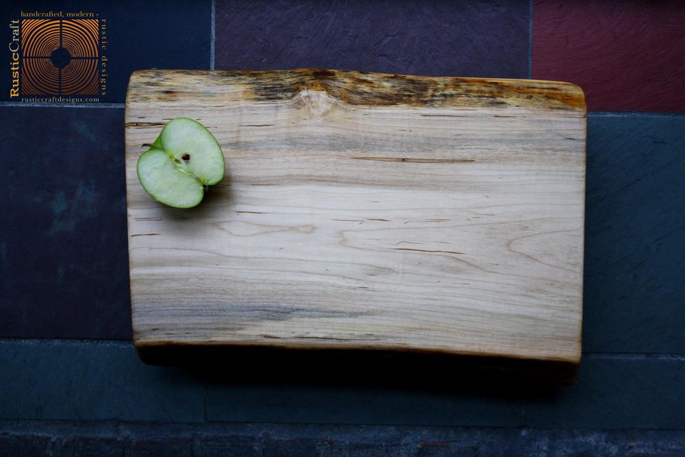 Organic shape Live Edge Maple Cutting Board - Large - Handcrafted Wood - Personalized Kitchen Gift 402