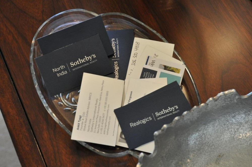 PICTURED ABOVE: North India leaves behind business cards during the Brokers Open. These estates are truly gaining global exposure!
