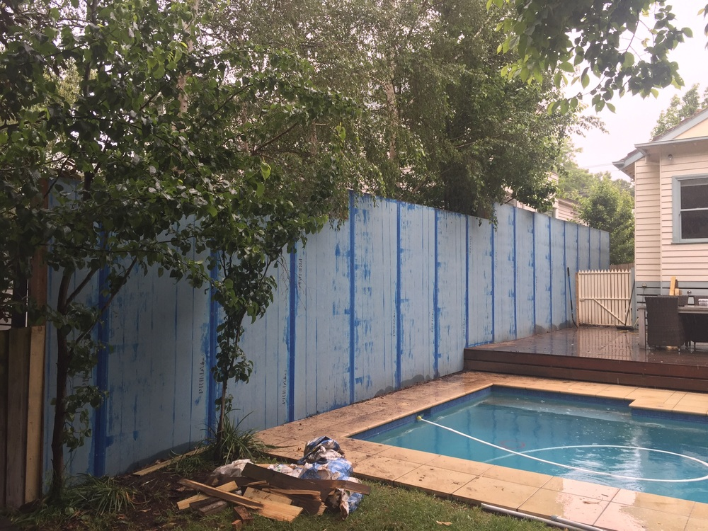 how to build a blue board fence