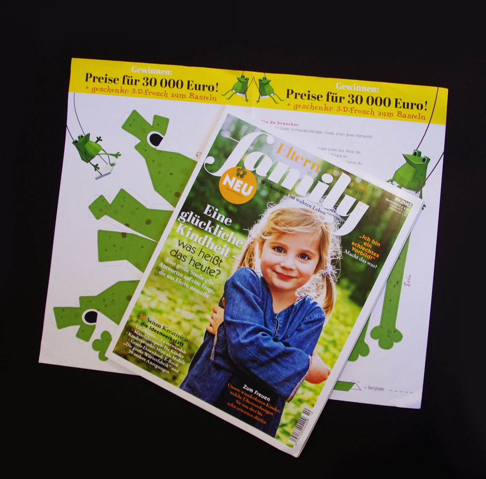 "Commissioned Work for ""Eltern Family"", a Giveaway papercraft frog was included in all of the 200,000 magazines!"