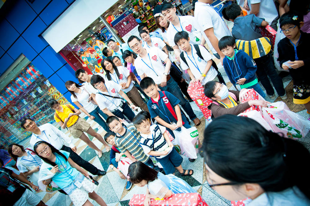Club Rainbow Singapore Kris Kringle 2011 -11.jpg