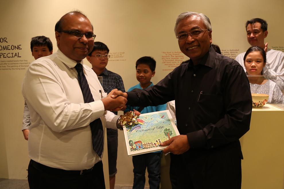 Club Rainbow Singapore Art Exhibition 2013-2.jpg
