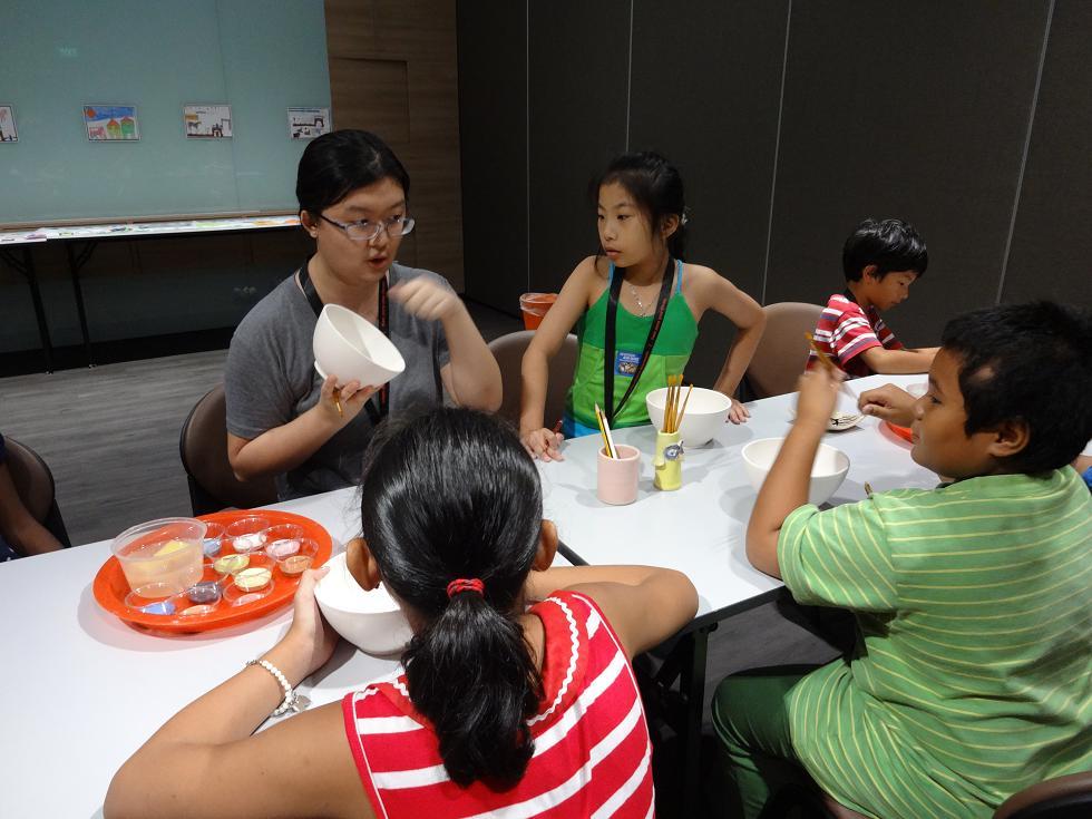 Club Rainbow Singapore Art Exhibition 2013-33.jpg