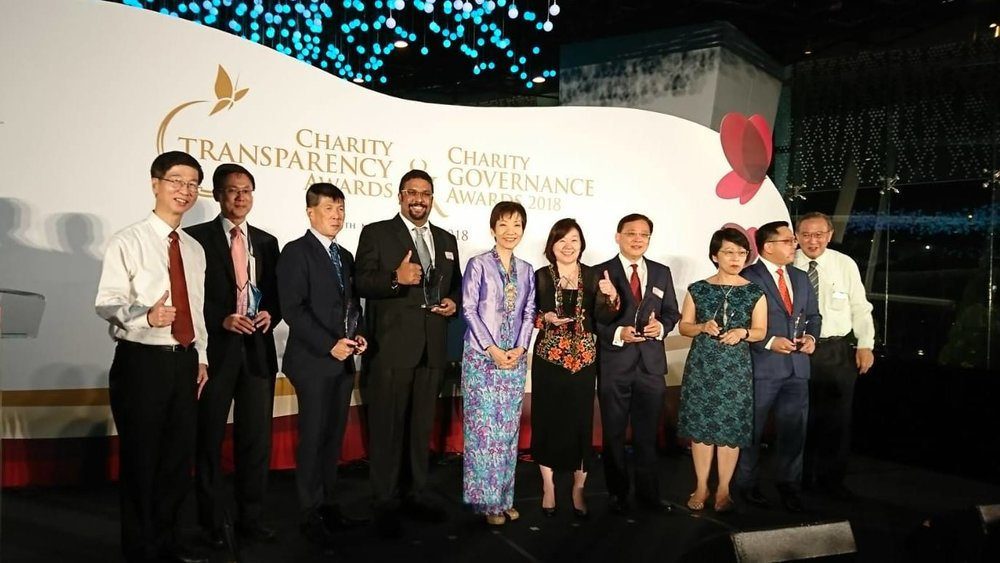 Miss Grace Fu, Minister for Culture, Community and Youth (centre) and Dr Sashikumar Ganapathy, President of Club Rainbow (Singapore) with other CGA 2018 award winners.