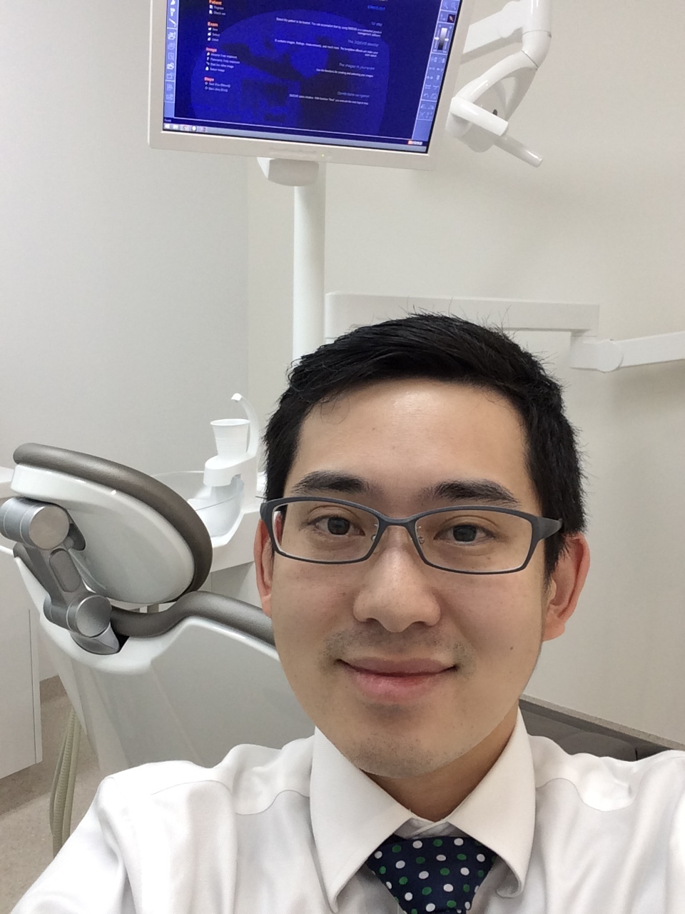 Asian dentist selfie Quincy Cheuk