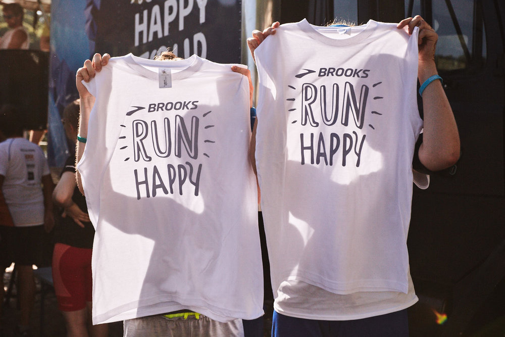 Auch 2018 gibts wieder die limitierten RUN HAPPY TOUR Shirts. 150 gibts jeden Tag geschenkt für die ersten 150 am Tourbus.