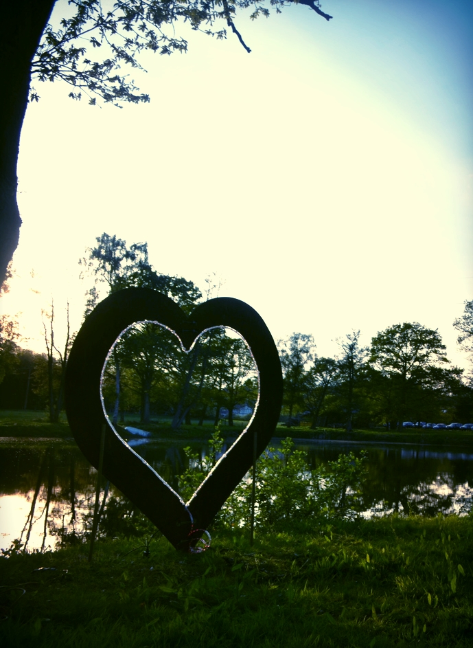 The lakeside heart