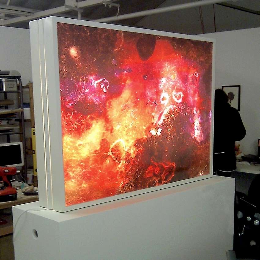 Double sided LIght box with plinth.
