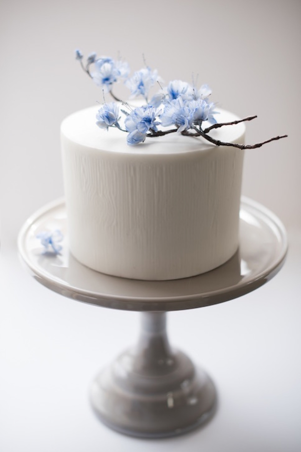 Making small wedding cakes beautiful sonnda catto braw brides i designed this cherry blossom wedding cake for an intimate springtime wedding it features a 6 inch round which serves approximately 20 people junglespirit Images