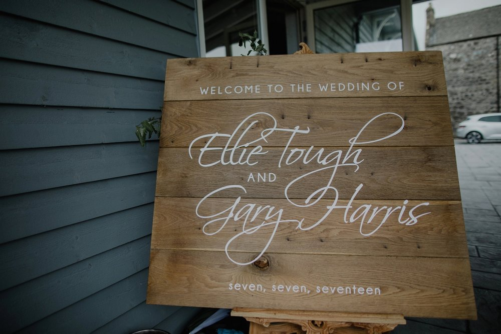 ELLIE_GARY_BARRA_CASTLE_WEDDING_ZOE_ALEXANDRA_PHOTOGRAPHY-0282.jpg