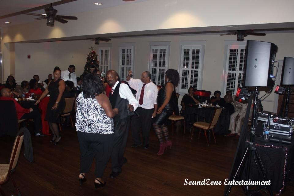 SoundZone Entertainment - Holiday Party 4