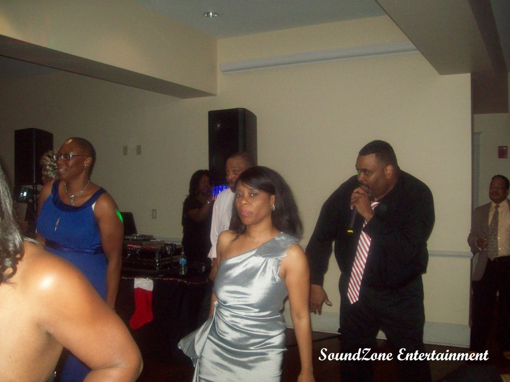 SoundZone Entertainment - Holiday Party 6