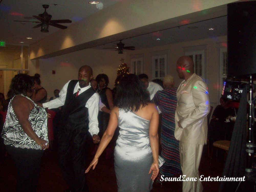 SoundZone Entertainment - Holiday Party 7