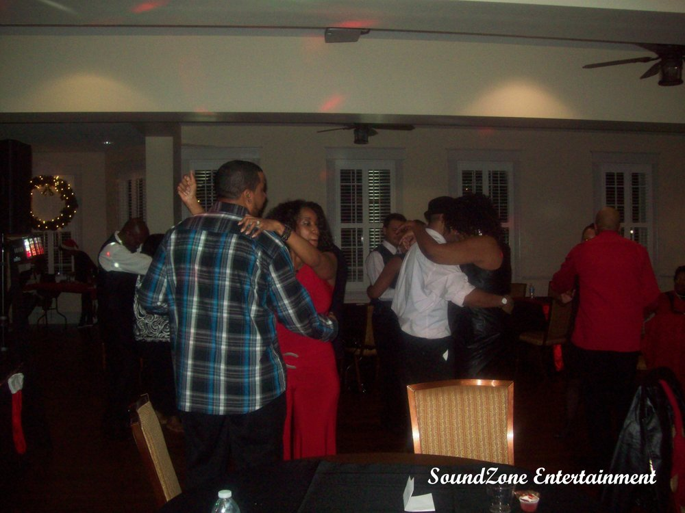 SoundZone Entertainment - Holiday Party 11