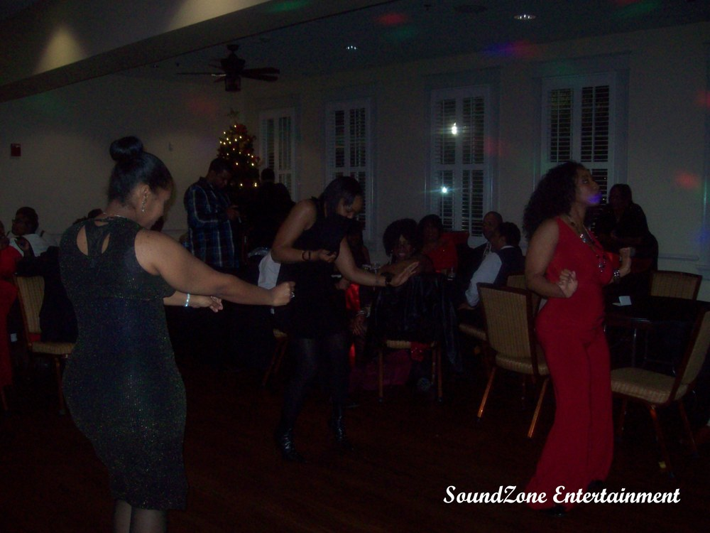 SoundZone Entertainment - Holiday Party 12