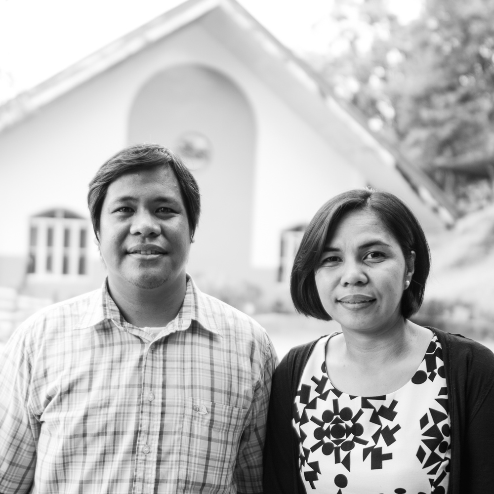 """<a href=""""/stanley-and-noreen""""><div class=""""small-title""""><strong>Stanley & Noreen</strong><br><i>Philippines</i></div></a>"""
