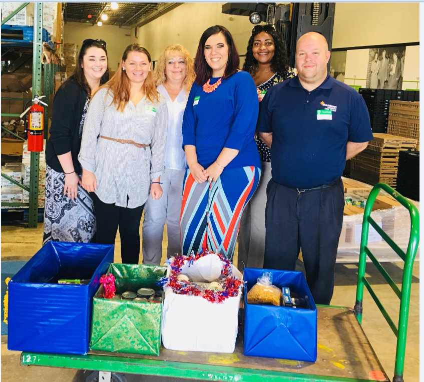 Pictured Left to Right: Mariner Finance employees Dawn Pastorius, Liz Smith, Terry Graham, Chassidy Cunningham, LaNina Armstrong, and Jeff Zuch delivered donations collected at their branches in May for the Mid-Year Food Drive.