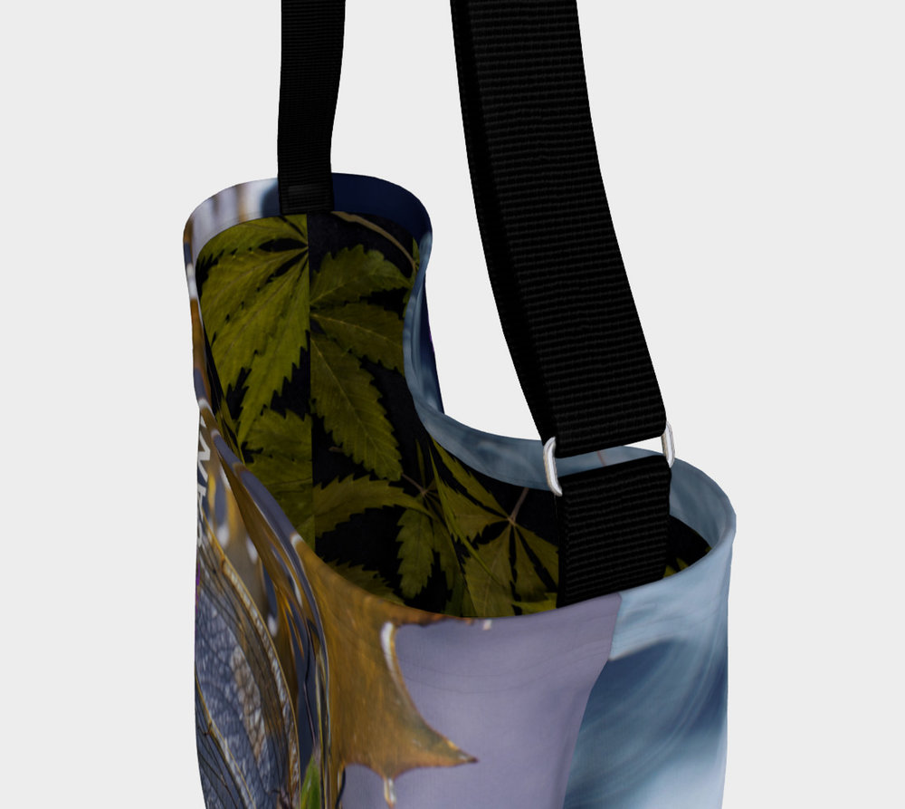 preview-day-tote-665625-top-f.jpg
