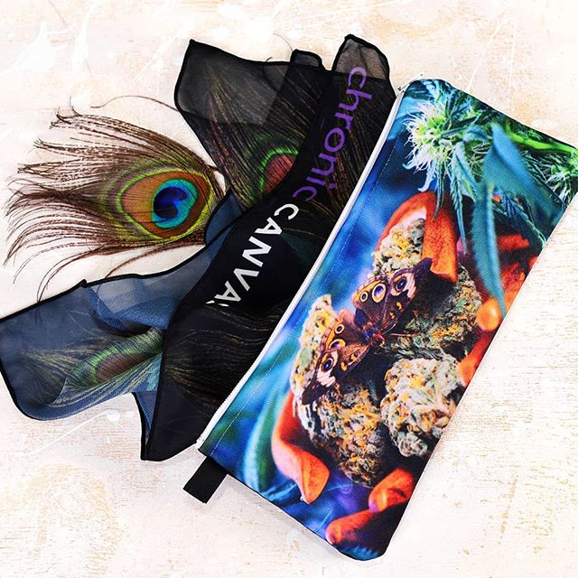 Zipper stash pouch to carry your weed in style. 🌷🌸👉 Stocked up up for @victoriawomensexpo this weekend! Come find us at booth 11 💨 . . #staylifted #kush #fueledbythc #craftcannabis  #cannabisismedicine  #freetheweed #dank #weedstagram #highlife #stonernation  #smokeweed #plantsoverpills #420life #cannabisarmy #420photography #wegetzhigh #weedclothes  #wakenbake #wakeandbake #hightimes