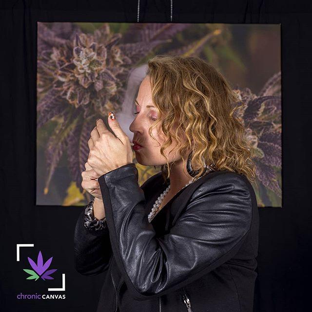 """""""If you substitute marijuana for tobacco and alcohol, you'll add eight to 24 years to your life."""" —Jack Herer . #TGIF 😎🌱💨 . #fryyay #cannabisart #ChronicCanvas  #cannabisismedicine  #killthestigma  #plantsoverpills  #staylifted #kush #fueledbythc #craftcannabis  #freetheweed #dank #weedstagram #highlife #stonernation  #smokeweed #plantsoverpills #420life #cannabisarmy #420photography #wegetzhigh #weedclothes  #wakenbake #wakeandbake #hightimes . ."""