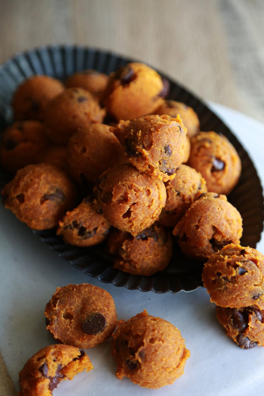 frontpaige_pumpkincookies_05.JPG